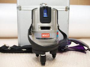 MAX マックス レーザー墨出し器 LA-302A