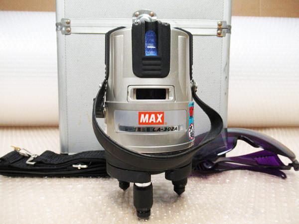 レーザー墨出し器1